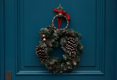 Exetercation: Create your own festive wreath
