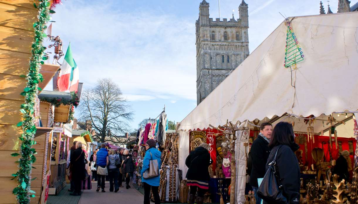 Christmas Bazaar Near Me.Exeter Christmas Market On Cathedral Green Market In