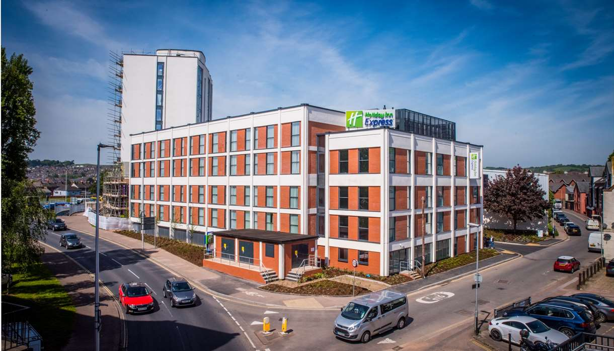 Holiday Inn Express Exeter City Centre exterior