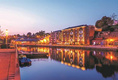 Entertainment & Nightlife in Exeter