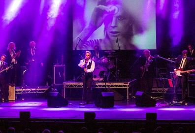 Exeter Corn Exchange - Bowie : Starman