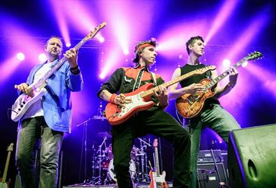 Exeter Corn Exchange - Money for Nothing: Dire Straits Legacy