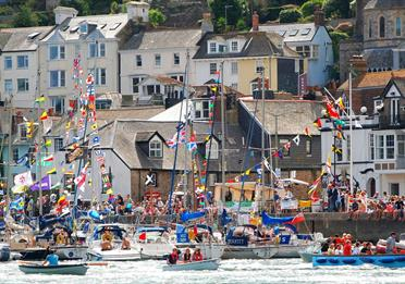 cruising into dartmouth royal regatta