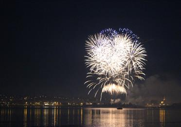 firework night cruise with stuart line cruises